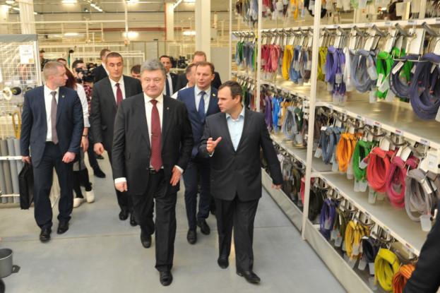 За темпами вироблення продукції промисловим комплексом Тернопільщина займає 5 місце в Україні. У нинішньому році виробництво продукції галузі зросло майже на 8%, а обсяг її реалізації – на 27,6% та склав 9,9 млрд. грн.