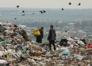 Реалії безгосподарності: сміттєзвалища – без документів, очисні – без фахівців