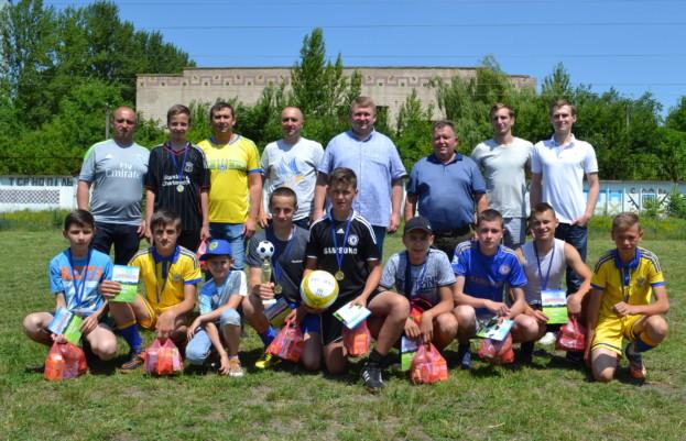 Кожен учасник футбольного турніру від організаторів отримав приз