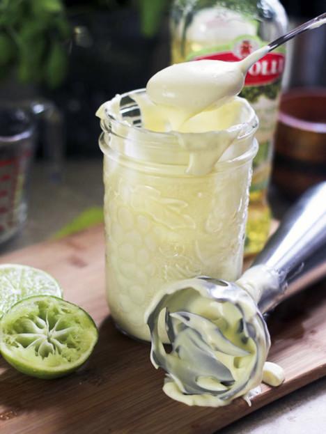 Domashniy-mayonez-s-limonom-ili-s-laymom