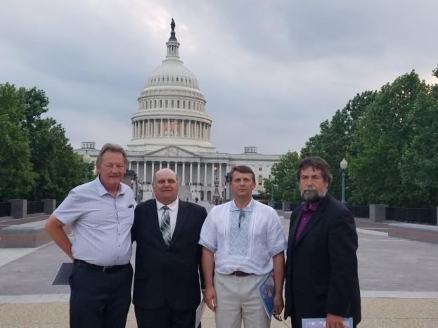 КоСенатор Левін – засновник «Кокусу» організація – група конгресменів у підтримку України